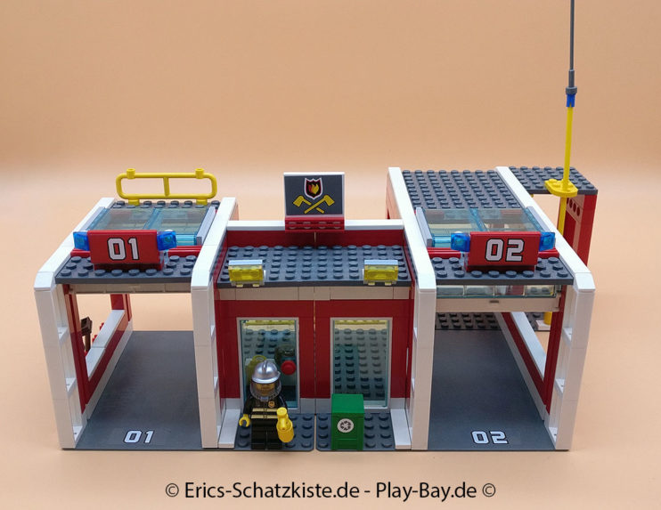 Lego® 7208 Fire Station Grosse Feuerwehrstation (Get it @ PLAY-BAY.de)