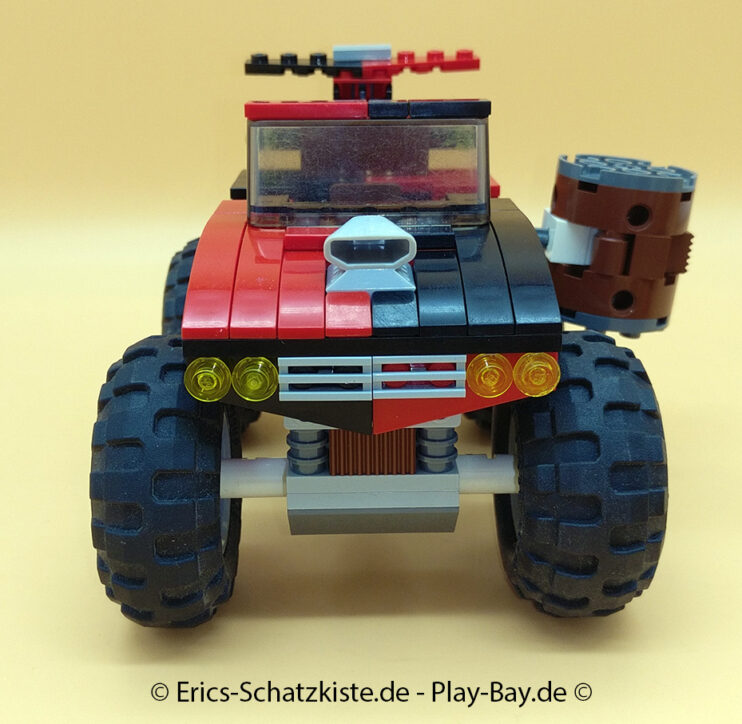 Lego® 7886 [Batman] The Batcycle - Harley Quinns Hammer Truck (Get it @ PLAY-BAY.de)